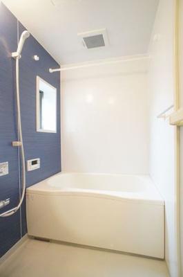 【浴室】ヤマシメ ハイツ シャーメゾン