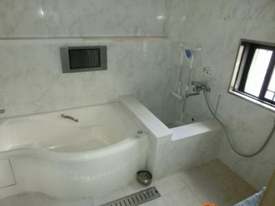 【浴室】東大阪市川俣1丁目 中古戸建