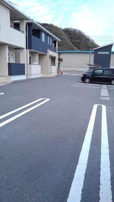 【駐車場】グラースメゾンB