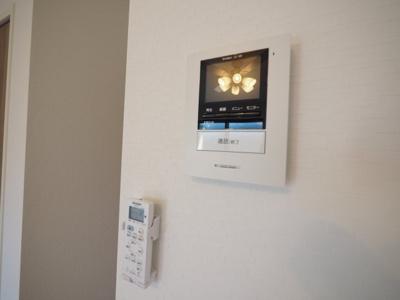 来訪者の確認が出来るモニター付インターホン