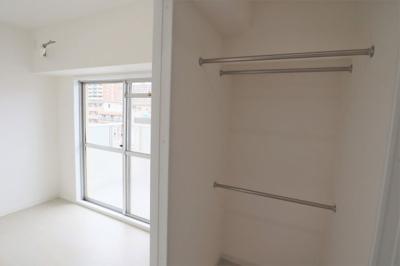 洋室約4.5帖と洋室約9.5帖はウォークスルークローゼットで繋がっています。