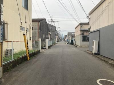【周辺】渋川町2丁目貸倉庫