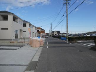 高浜市神明町第4新築分譲住宅前面道路写真です。