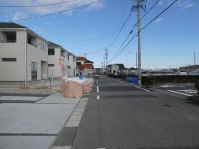 高浜市神明町第4新築分譲住宅13~20号棟前面道路写真です