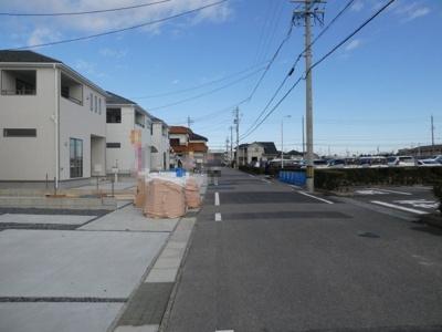 高浜市神明町第4新築分譲住宅9~20号棟前面道路写真です。
