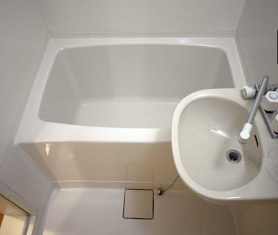 【浴室】ウッドベル三軒茶屋 礼金0 バストイレ別 南向き 駐輪場