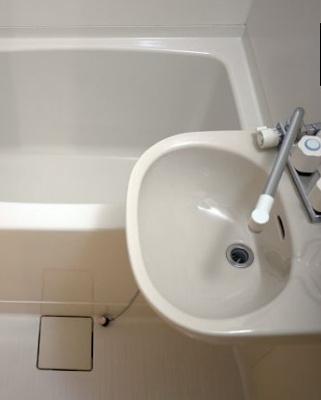 【洗面所】ウッドベル三軒茶屋 礼金0 バストイレ別 南向き 駐輪場