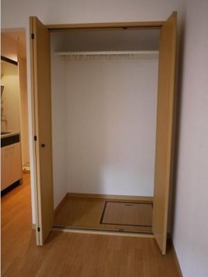 【収納】ウッドベル三軒茶屋 礼金0 バストイレ別 南向き 駐輪場