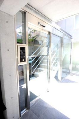 【セキュリティ】三軒茶屋HiLLz ネット無料 独立洗面台 オートロック 宅配BOX