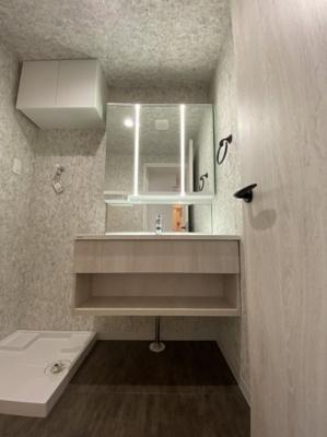 洗面化粧台(三面鏡) シャワーヘッド付