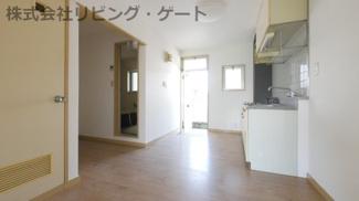 キッチン横にも窓があり換気できるようになっております。