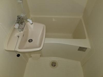 【浴室】レオパレスラビドールⅢ