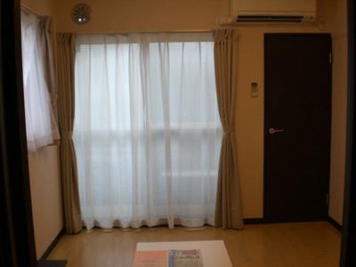 101・201・104・204の角部屋のみ出窓有