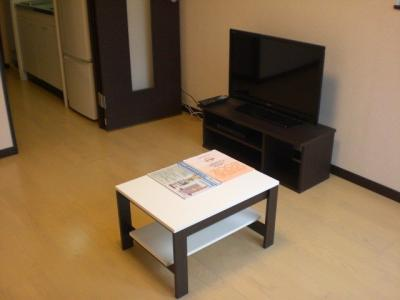 テーブル・テレビ(液晶)