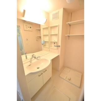 パウダールーム、防水パン室内洗濯機置き場