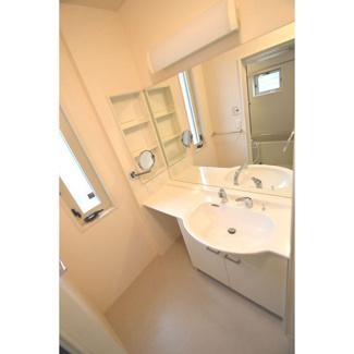 パウダールーム、洗髪洗面化粧台