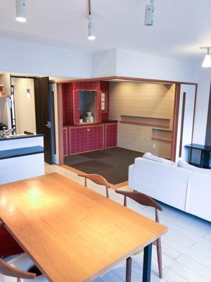 全体を見渡せる開放感のある空間です。 和室を開放すれば16.5帖の広々空間になります。