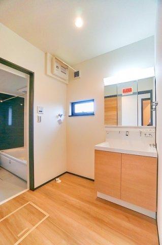 こちらに洗面台が設置されます! 収納が豊富です!
