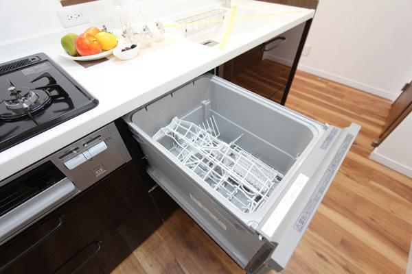 食器洗浄乾燥機付きでお片付けも楽々♪