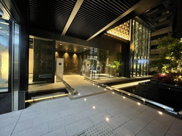 MJR堺筋本町タワー 堺筋本町駅2番エレベーターを上がると駅直結のエントランスアプローチが。大変魅力的です