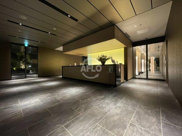 MJR堺筋本町タワー コンシェルジュサービス、宅配クリーニングや郵便までこなしてくれます。