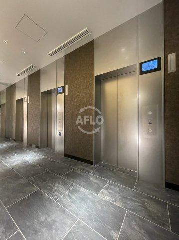 MJR堺筋本町タワー エレベーターは非常用含め計4基ございます。