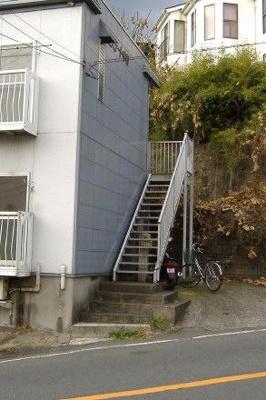 アパート入口部分です