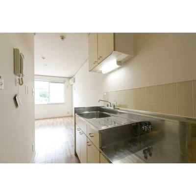 ガスコンロ設置可能のキッチンスペースです