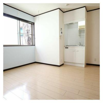 【居間・リビング】アパートメントアビ