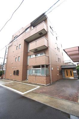 京浜急行線「大森町」駅より徒歩3分の駅近マンションです