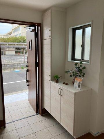【玄関】デザイン住宅「FIT」糸島市前原南2丁目2期2号棟 4LDK