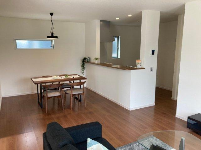 【居間・リビング】デザイン住宅「FIT」糸島市前原南2丁目2期2号棟 4LDK