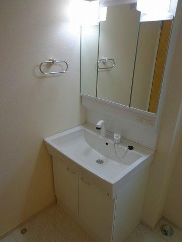 浴室乾燥機能付きの1坪タイプのお風呂です。