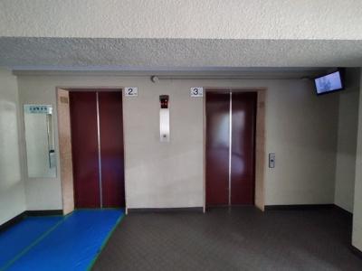 エレベーターが2基あるので、朝の混雑時もスムーズです。