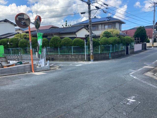 【前面道路含む現地写真】ファーストタウン南区鶴田4丁目 4LDK