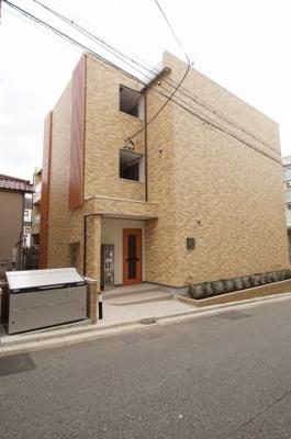 都営浅草線「西馬込」駅より徒歩圏内の築浅マンションです。