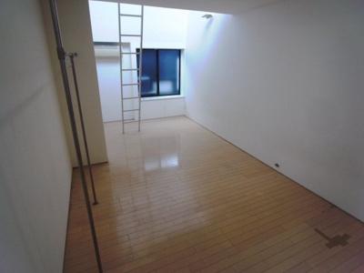 【洋室】クレセンティア神戸・北野