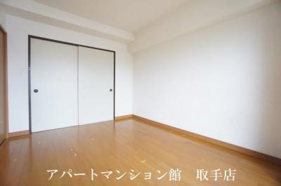 【寝室】リバーサイドヒルズ
