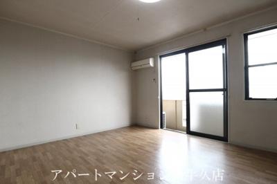 【居間・リビング】キャッスル寺田B