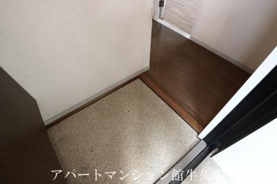 【玄関】キャッスル寺田B