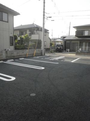 【駐車場】高崎市上小鳥町 北高崎駅 1階 1LDK