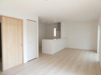 碧南市若松町21-1期新築分譲住宅前面道路は北側公道約6.0mです