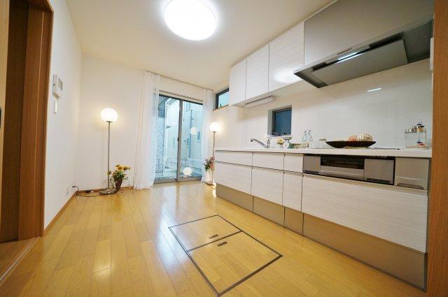 1階キッチンスペース