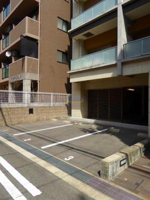 【駐車場】ROJI01