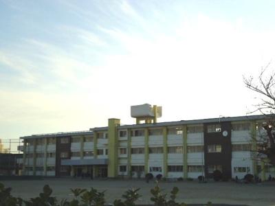 鈴鹿市立愛宕小学校まで188m