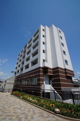 東急東横線「反町駅」徒歩1分の好立地マンション