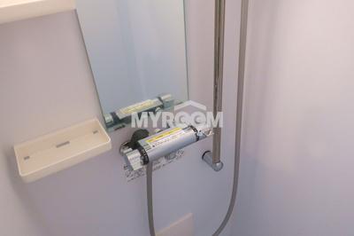 シャワールーム・トイレ別(同一仕様写真)