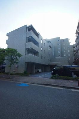 JR京浜東北線「大森駅」徒歩10分です。