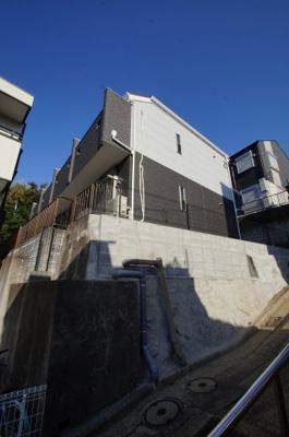 片倉町駅徒歩10分のアパートです。