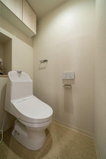 西荻窪マンション:ウォシュレット機能付きトイレです!